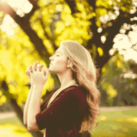 A qui s'adresse-t-on pour une prière de gratitude efficace?